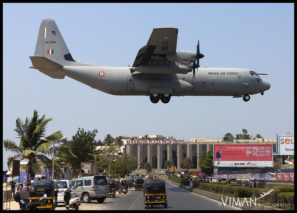 Iaf C 130j Super Hercules Lands At Juhu Aerodrome Viman